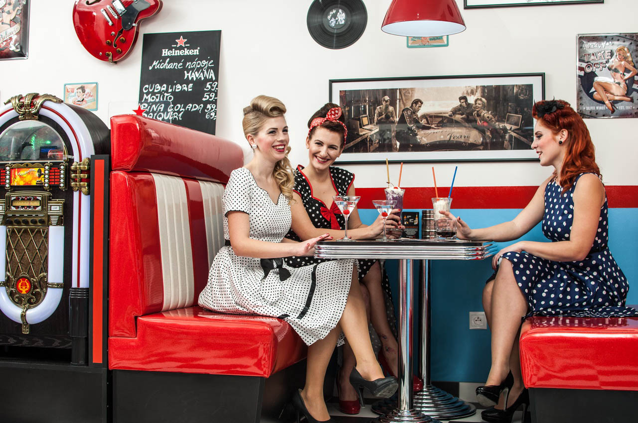 2015-Rock-n-roll-Cafe-Olomouc-CRmail.jpg